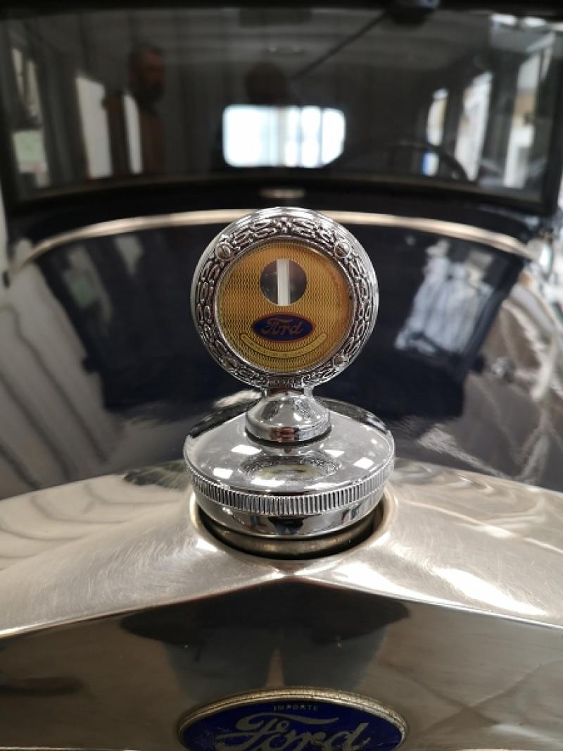 Photo 7 de l'offre de FORD A LIMOUSINE à 29990€ chez Auto VEC