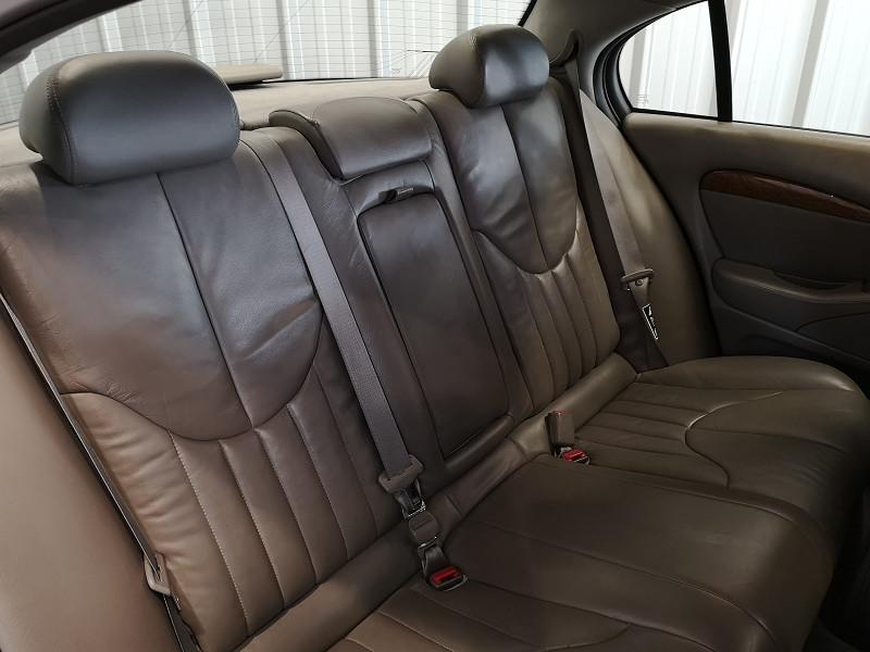 Photo 12 de l'offre de JAGUAR S-TYPE 3.0 V6 PACK BA à 3990€ chez Auto VEC