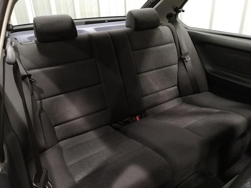 Photo 12 de l'offre de BMW SERIE 3 COMPACT (E36) 316IA 105CH à 5490€ chez Auto VEC