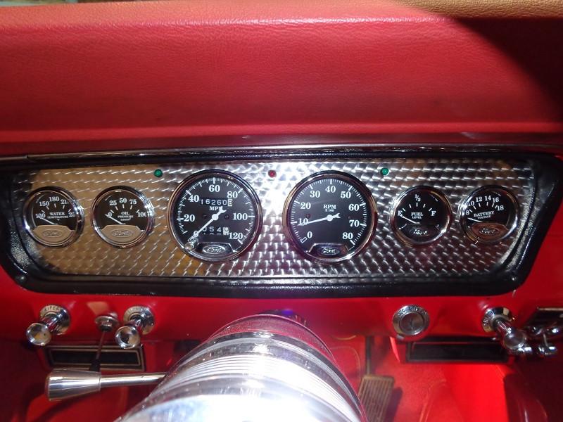 Photo 11 de l'offre de FORD MUSTANG RESTOMOD USA à 45990€ chez Auto VEC