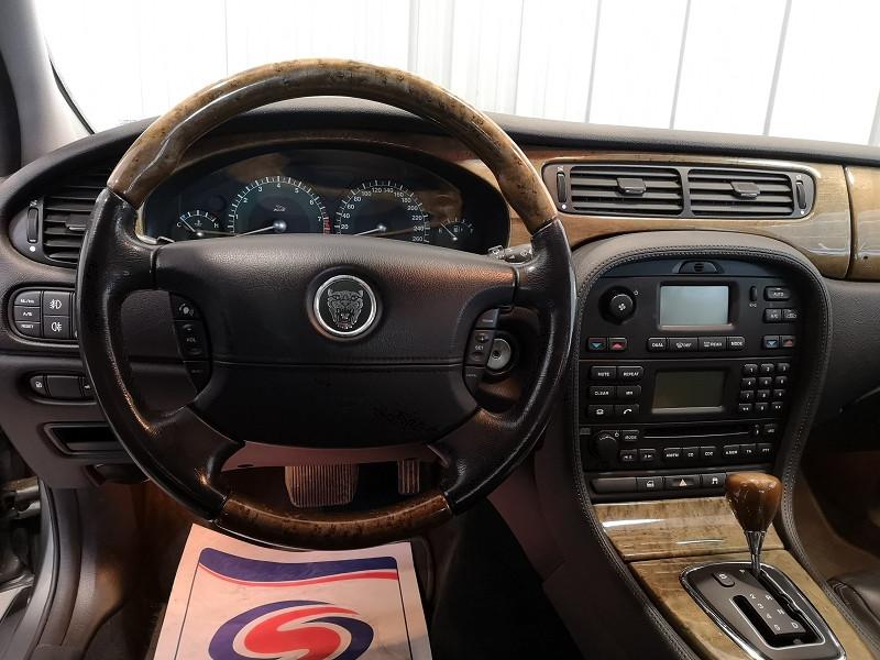 Photo 9 de l'offre de JAGUAR S-TYPE 3.0 V6 CLASSIQUE BA à 7990€ chez Auto VEC