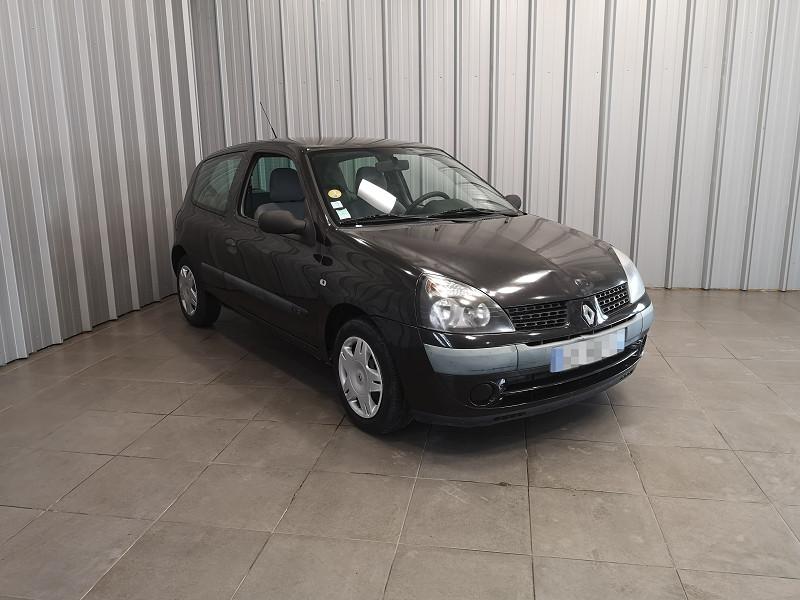 Photo 2 de l'offre de RENAULT CLIO II 1.2 (1149) 58CH EXPRESSION 3P à 2490€ chez Auto VEC