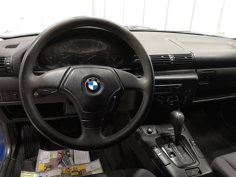 Photo 9 de l'offre de BMW SERIE 3 COMPACT (E36) 316IA 105CH à 5490€ chez Auto VEC