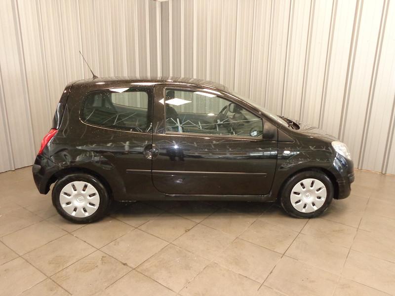 Photo 16 de l'offre de RENAULT TWINGO 1.2 LEV 16V 75CH AUTHENTIQUE à 4990€ chez Auto VEC
