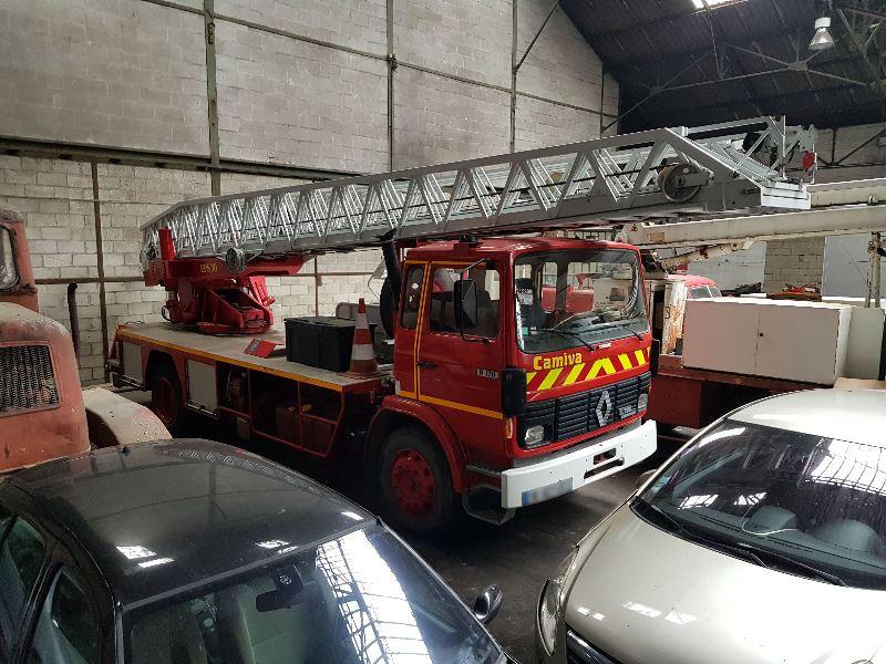 Photo 1 de l'offre de RENAULT S 170 11 GRANDE ECHELLE à 9990€ chez Auto VEC