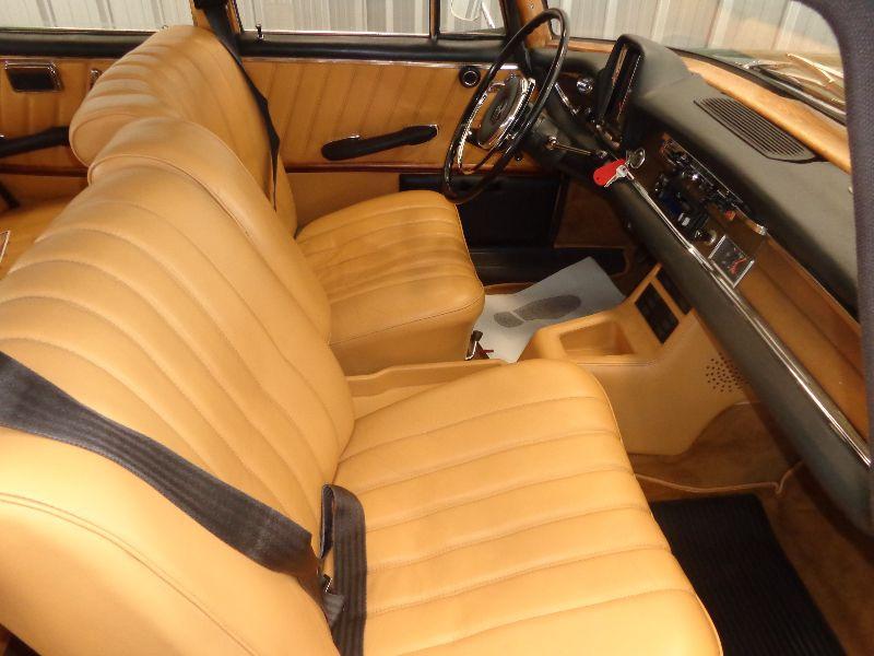 Photo 4 de l'offre de MERCEDES 220 SE à 22990€ chez Auto VEC