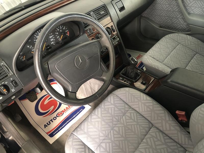 Photo 7 de l'offre de MERCEDES-BENZ CLASSE C (W202) 180 ELEGANCE à 3990€ chez Auto VEC