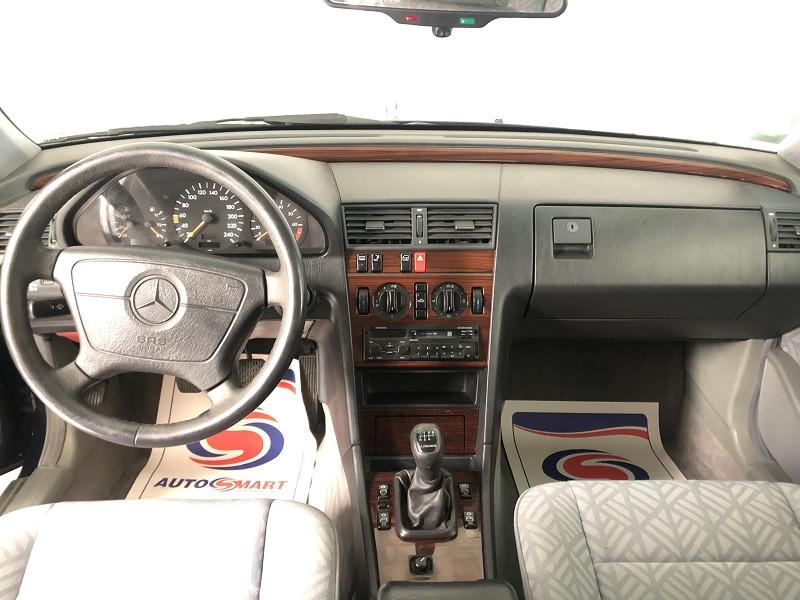 Photo 8 de l'offre de MERCEDES-BENZ CLASSE C (W202) 180 ELEGANCE à 3990€ chez Auto VEC
