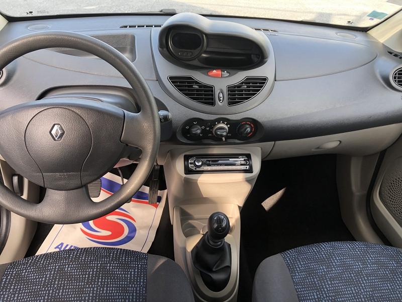 Photo 10 de l'offre de RENAULT TWINGO II 1.2 LEV 16V 75CH AUTHENTIQUE à 4990€ chez Auto VEC