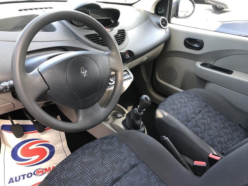 Photo 9 de l'offre de RENAULT TWINGO II 1.2 LEV 16V 75CH AUTHENTIQUE à 4990€ chez Auto VEC