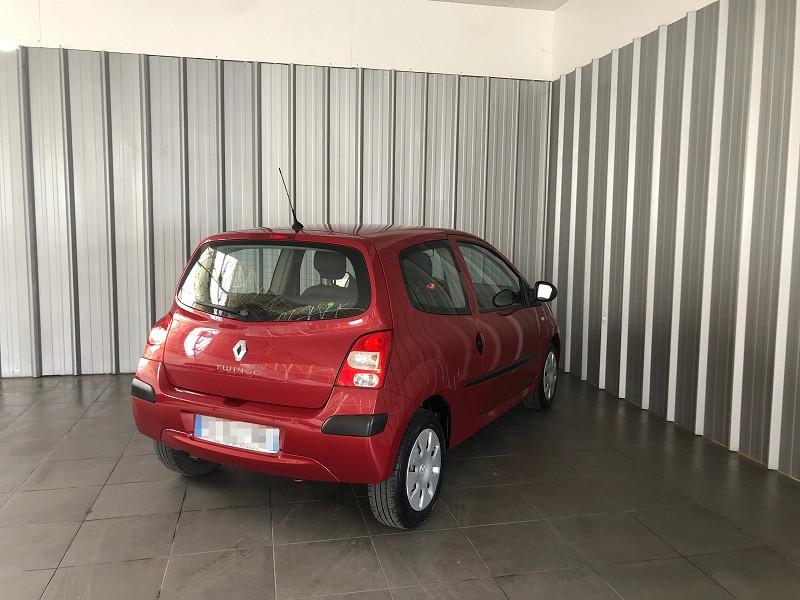 Photo 5 de l'offre de RENAULT TWINGO II 1.2 LEV 16V 75CH AUTHENTIQUE à 4990€ chez Auto VEC