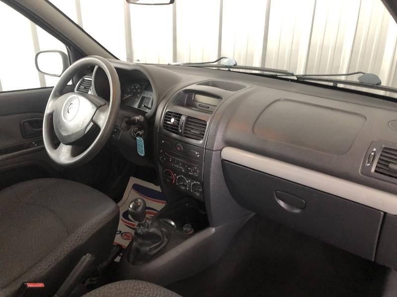 Photo 13 de l'offre de RENAULT CLIO II CAMPUS 1.2 60CH DYNAMIQUE 5P à 5490€ chez Auto VEC