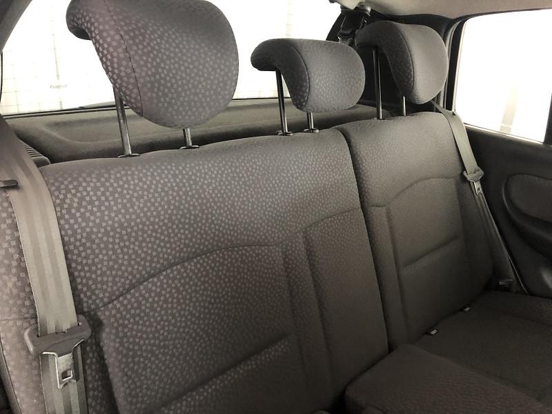 Photo 9 de l'offre de RENAULT CLIO II CAMPUS 1.2 60CH DYNAMIQUE 5P à 5490€ chez Auto VEC