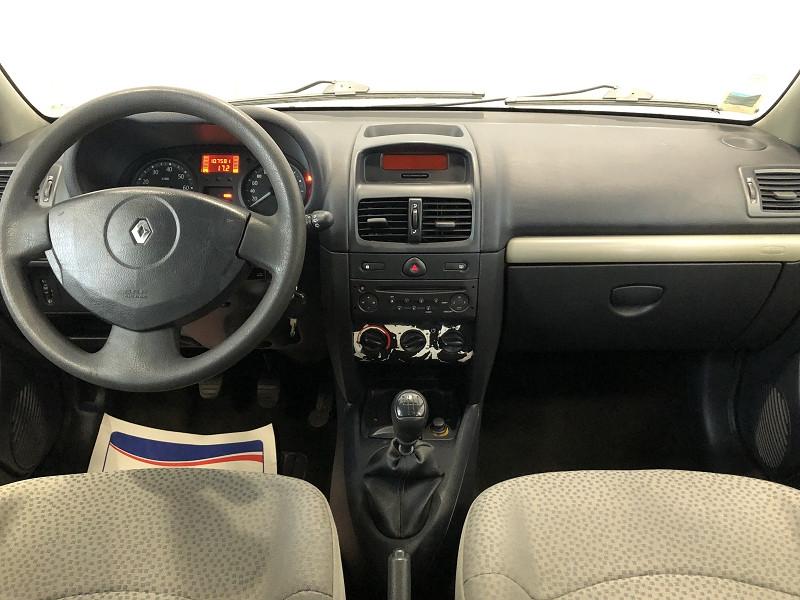 Photo 10 de l'offre de RENAULT CLIO II 1.2 60CH CAMPUS 5P à 4490€ chez Auto VEC