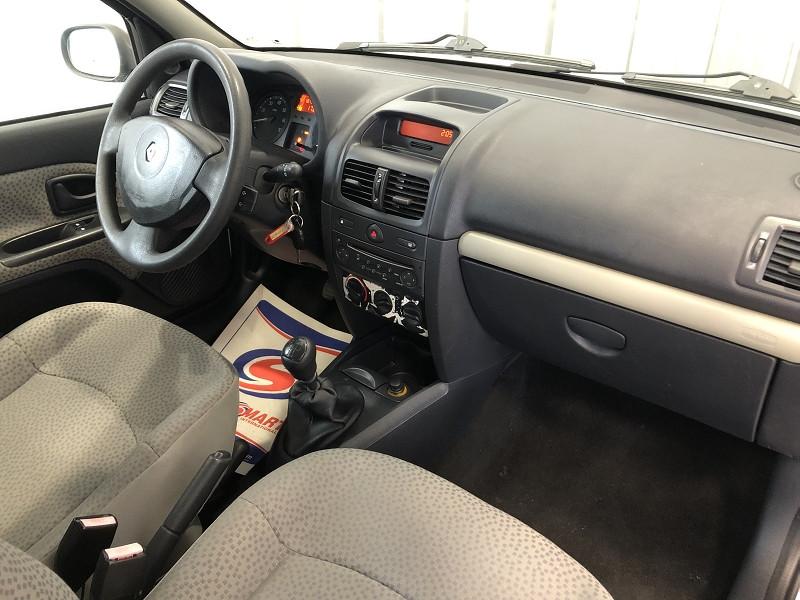 Photo 11 de l'offre de RENAULT CLIO II 1.2 60CH CAMPUS 5P à 4490€ chez Auto VEC