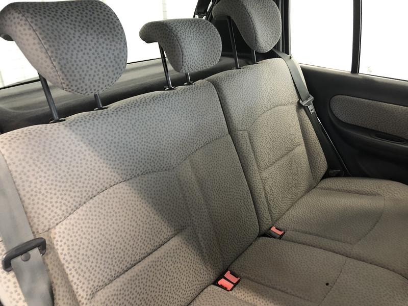 Photo 12 de l'offre de RENAULT CLIO II 1.2 60CH CAMPUS 5P à 4490€ chez Auto VEC