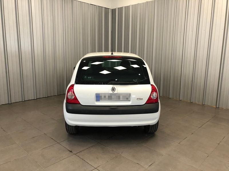 Photo 4 de l'offre de RENAULT CLIO II 1.5 DCI 65CH CAMPUS 5P à 3990€ chez Auto VEC