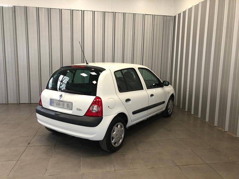 Photo 5 de l'offre de RENAULT CLIO II 1.5 DCI 65CH CAMPUS 5P à 3990€ chez Auto VEC
