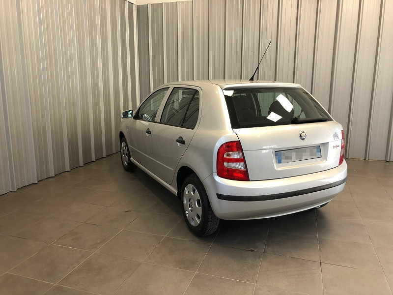 Photo 6 de l'offre de SKODA FABIA 1.2 12V 65CH AMBIENTE 5P à 3490€ chez Auto VEC