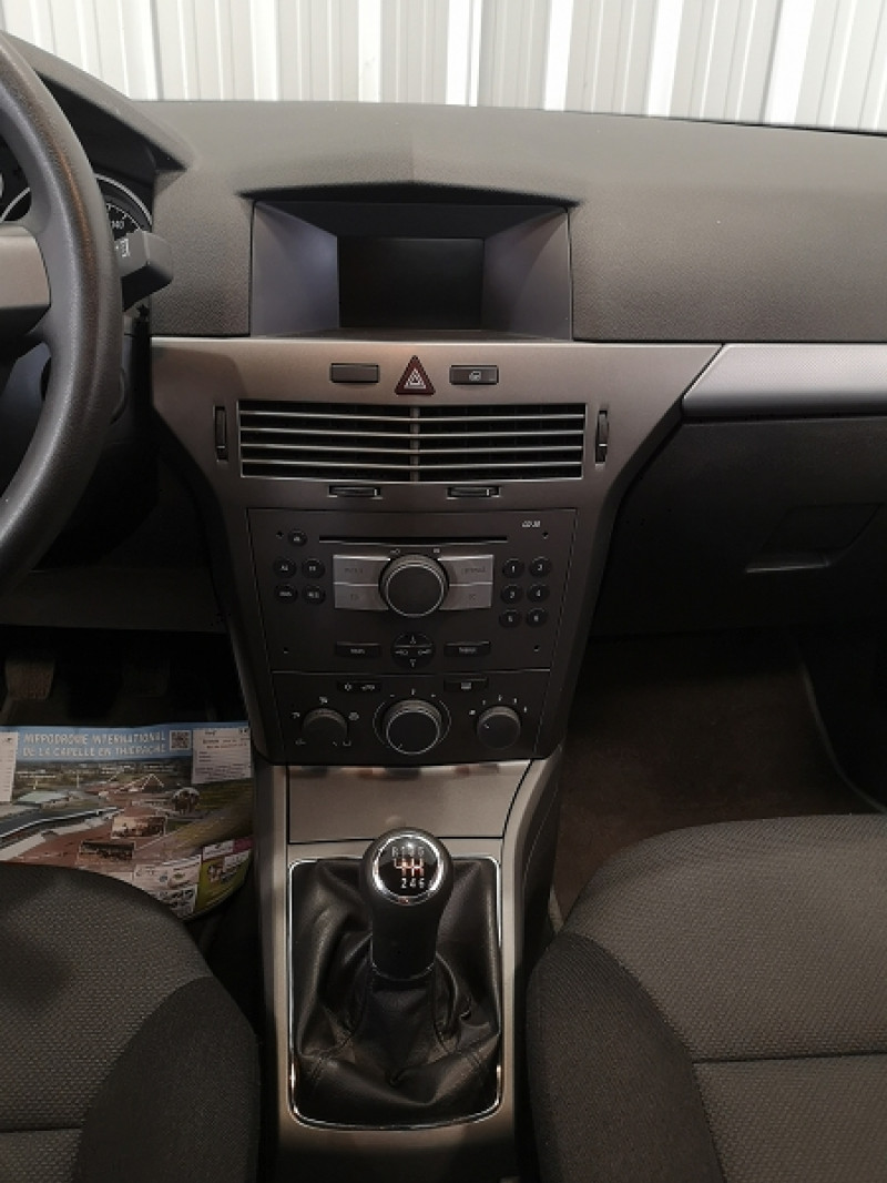Photo 10 de l'offre de OPEL ASTRA 1.3 CDTI ENJOY 5P à 5490€ chez Auto VEC