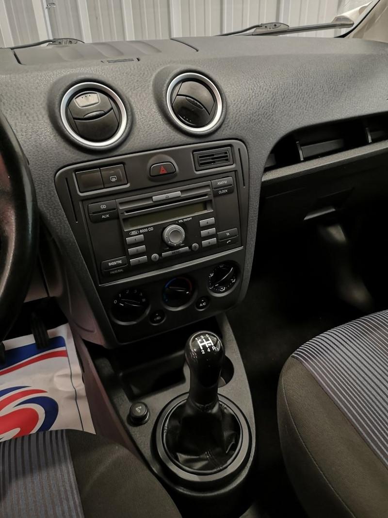 Photo 8 de l'offre de FORD FUSION 1.4 TDCI 68CH SENSO à 4490€ chez Auto VEC