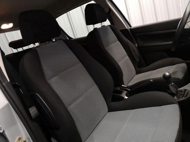 Photo 10 de l'offre de PEUGEOT 307 1.6 16V STYLE 5P à 4490€ chez Auto VEC