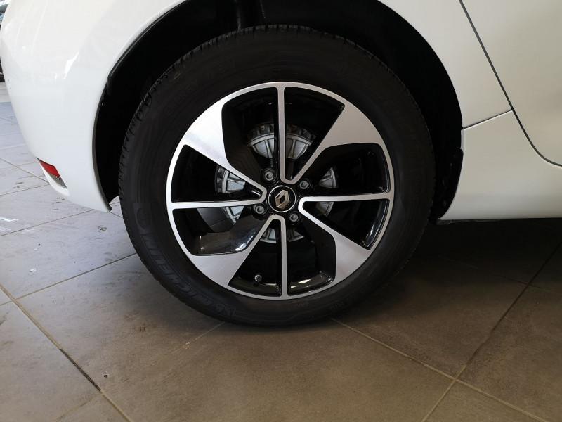 Photo 18 de l'offre de RENAULT ZOE INTENS CHARGE NORMALE R90 à 11490€ chez Auto VEC