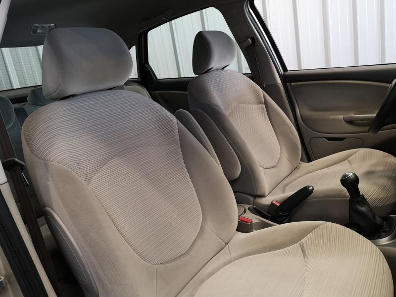 Photo 12 de l'offre de CITROEN C5 1.6 HDI110 PACK FAP à 4990€ chez Auto VEC