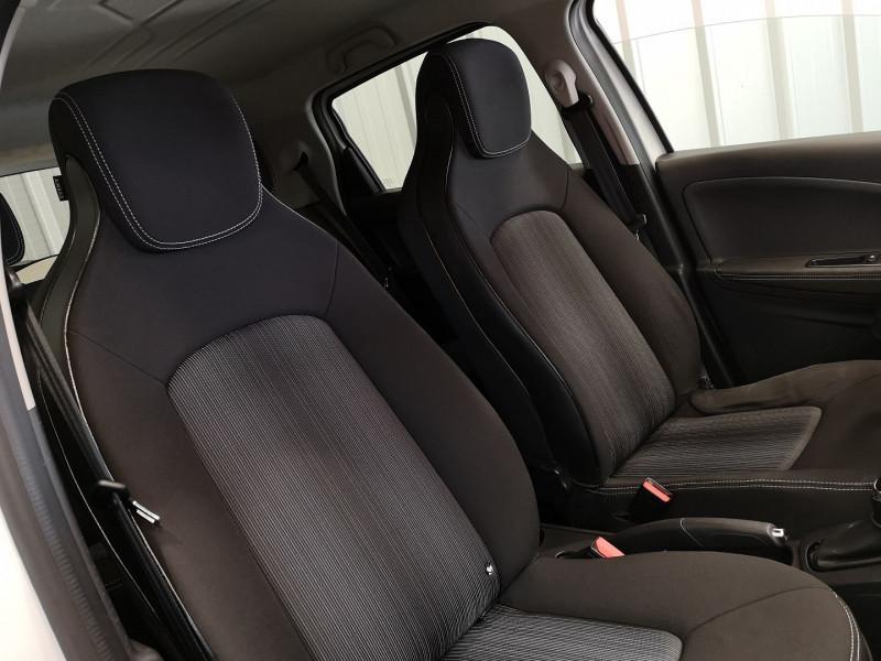 Photo 13 de l'offre de RENAULT ZOE INTENS CHARGE NORMALE R90 à 11490€ chez Auto VEC