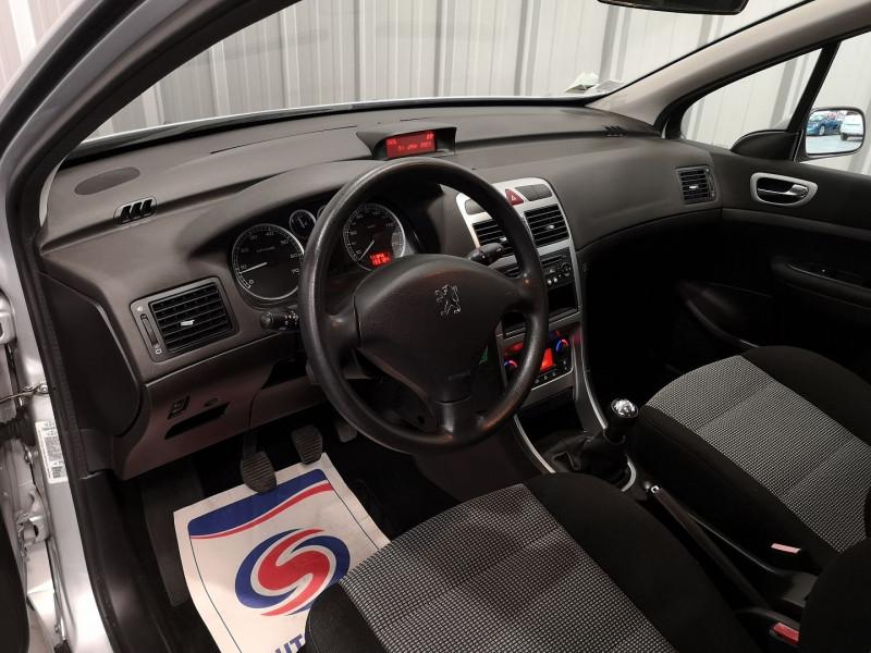 Photo 7 de l'offre de PEUGEOT 307 1.6 16V STYLE 5P à 4490€ chez Auto VEC