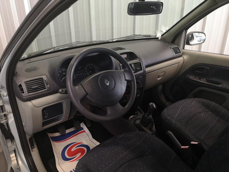 Photo 6 de l'offre de RENAULT CLIO II 1.5 DCI 65CH CONFORT PACK CLIM AUTHENTIQUE 3P à 3990€ chez Auto VEC