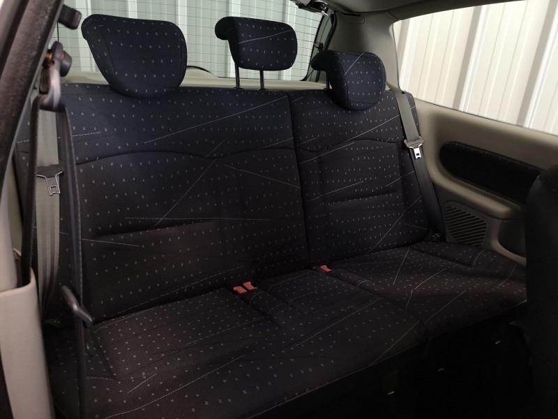 Photo 11 de l'offre de RENAULT CLIO II 1.5 DCI 65CH CONFORT PACK CLIM AUTHENTIQUE 3P à 3990€ chez Auto VEC