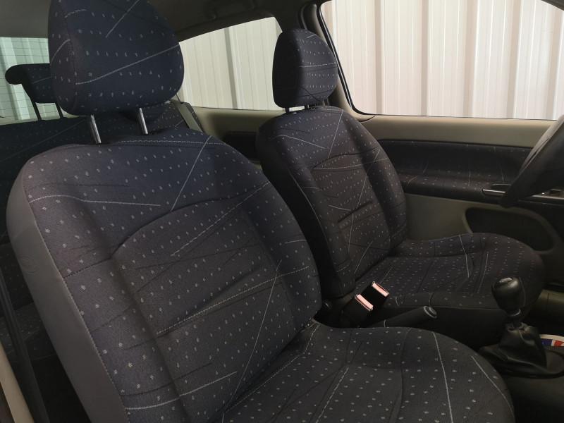 Photo 10 de l'offre de RENAULT CLIO II 1.5 DCI 65CH CONFORT PACK CLIM AUTHENTIQUE 3P à 3990€ chez Auto VEC