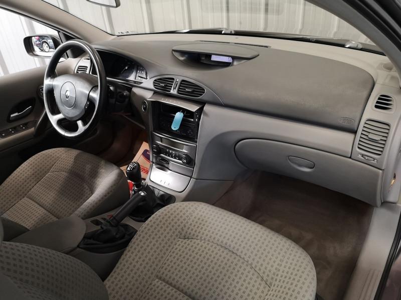 Photo 6 de l'offre de RENAULT LAGUNA II 1.9 DCI 120CH EXPRESSION à 4990€ chez Auto VEC