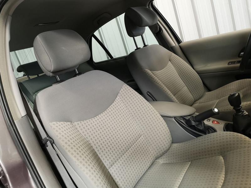 Photo 9 de l'offre de RENAULT LAGUNA II 1.9 DCI 120CH EXPRESSION à 4990€ chez Auto VEC