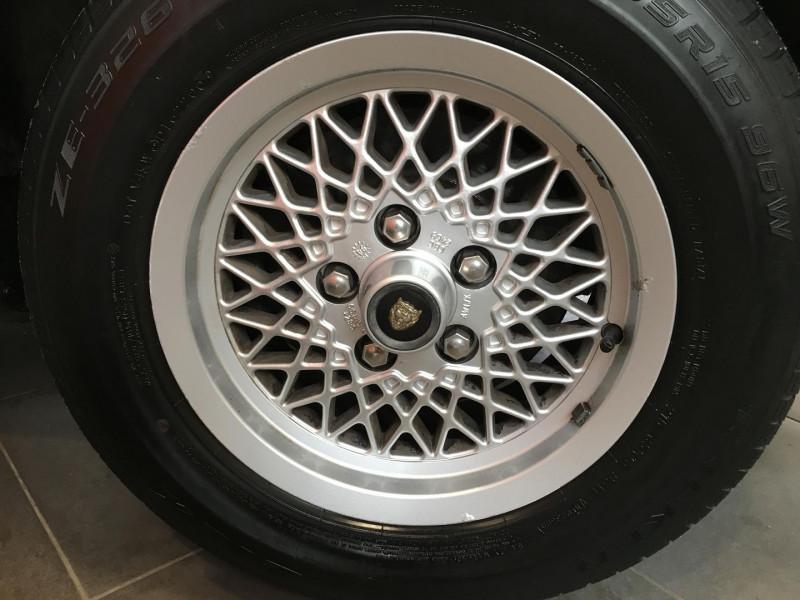 Photo 2 de l'offre de JAGUAR SOVEREIGN 2.9 AUT à 5490€ chez Auto VEC
