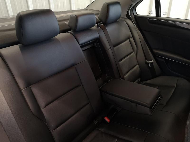 Photo 14 de l'offre de MERCEDES-BENZ CLASSE E (W212) 220 CDI BE AVANTGARDE EXECUTIVE BA à 13490€ chez Auto VEC