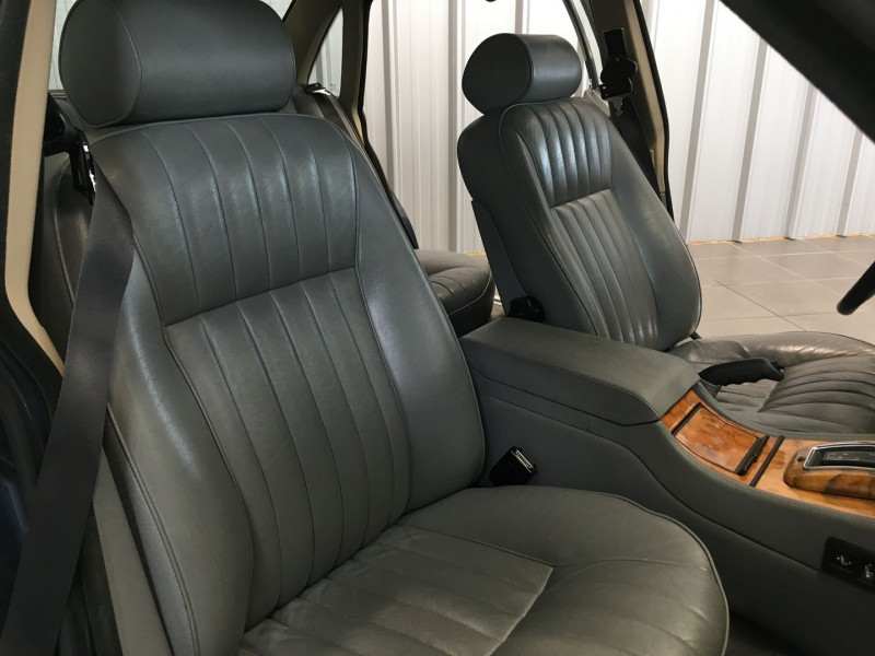 Photo 7 de l'offre de JAGUAR SOVEREIGN 2.9 AUT à 5490€ chez Auto VEC