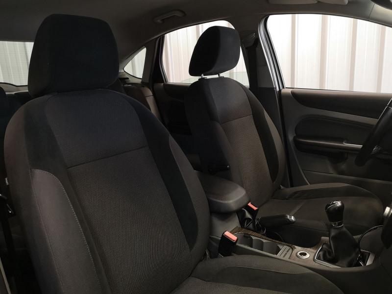 Photo 14 de l'offre de FORD FOCUS 1.8 TDCI 115CH GHIA 5P à 5490€ chez Auto VEC