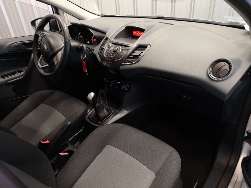 Photo 5 de l'offre de FORD FIESTA 1.4 TDCI 70CH FAP AMBIENTE 5P à 4490€ chez Auto VEC