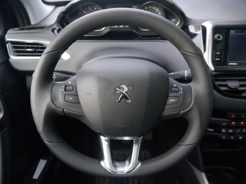 Photo 8 de l'offre de PEUGEOT 2008 1.2 PURETECH 82CH  E6.C ACTIVE S&S à 13900€ chez Automobiles 25