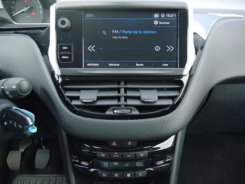 Photo 6 de l'offre de PEUGEOT 2008 1.2 PURETECH 82CH  E6.C ACTIVE S&S à 13900€ chez Automobiles 25
