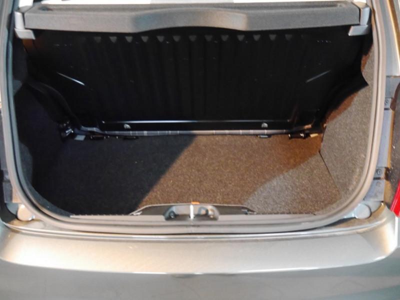 Photo 10 de l'offre de FIAT 500 1.2 8V 69CH S&S LOUNGE  DUALOGIC - 27 % à 13680€ chez Automobiles 25