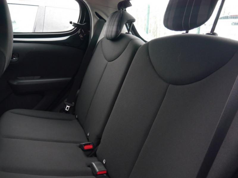 Photo 5 de l'offre de PEUGEOT 108 VTI 72 ALLURE S&S 5P à 10900€ chez Automobiles 25
