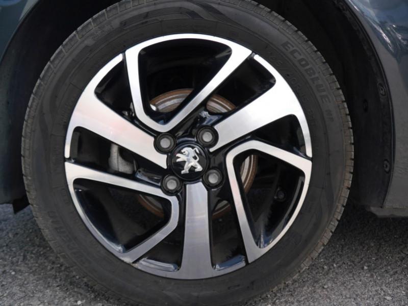 Photo 15 de l'offre de PEUGEOT 108 VTI 72 ALLURE S&S 5P à 10900€ chez Automobiles 25