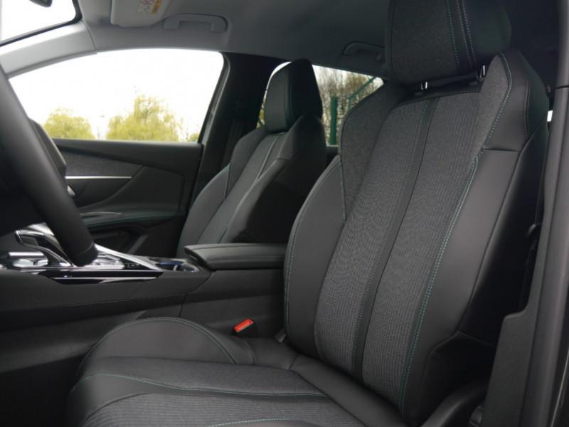 Photo 4 de l'offre de PEUGEOT 3008 1.5 BLUEHDI 130CH S&S ALLURE PACK EAT8 - 20 % à 33995€ chez Automobiles 25