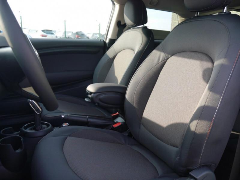 Photo 4 de l'offre de MINI MINI COOPER 136CH  CHILI BVA7 - 18 % à 25995€ chez Automobiles 25