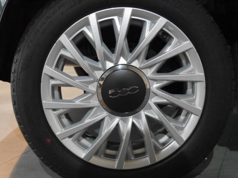 Photo 11 de l'offre de FIAT 500 1.2 8V 69CH S&S LOUNGE  DUALOGIC - 27 % à 13680€ chez Automobiles 25