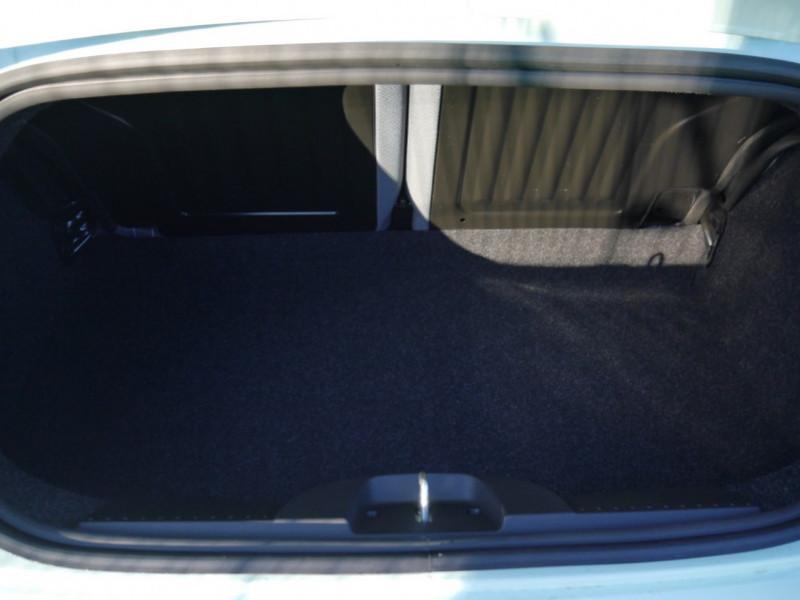 Photo 20 de l'offre de FIAT 500C 1.0 70CH BSG S&S LOUNGE Hybride - 29 % à 14995€ chez Automobiles 25