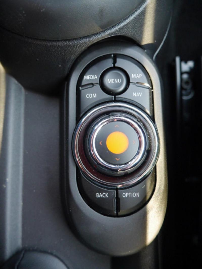 Photo 18 de l'offre de MINI MINI COOPER 136CH  CHILI BVA7 - 18 % à 25995€ chez Automobiles 25